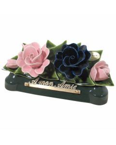 Devant de tombe roses roses pâle et bleues - 30 cm